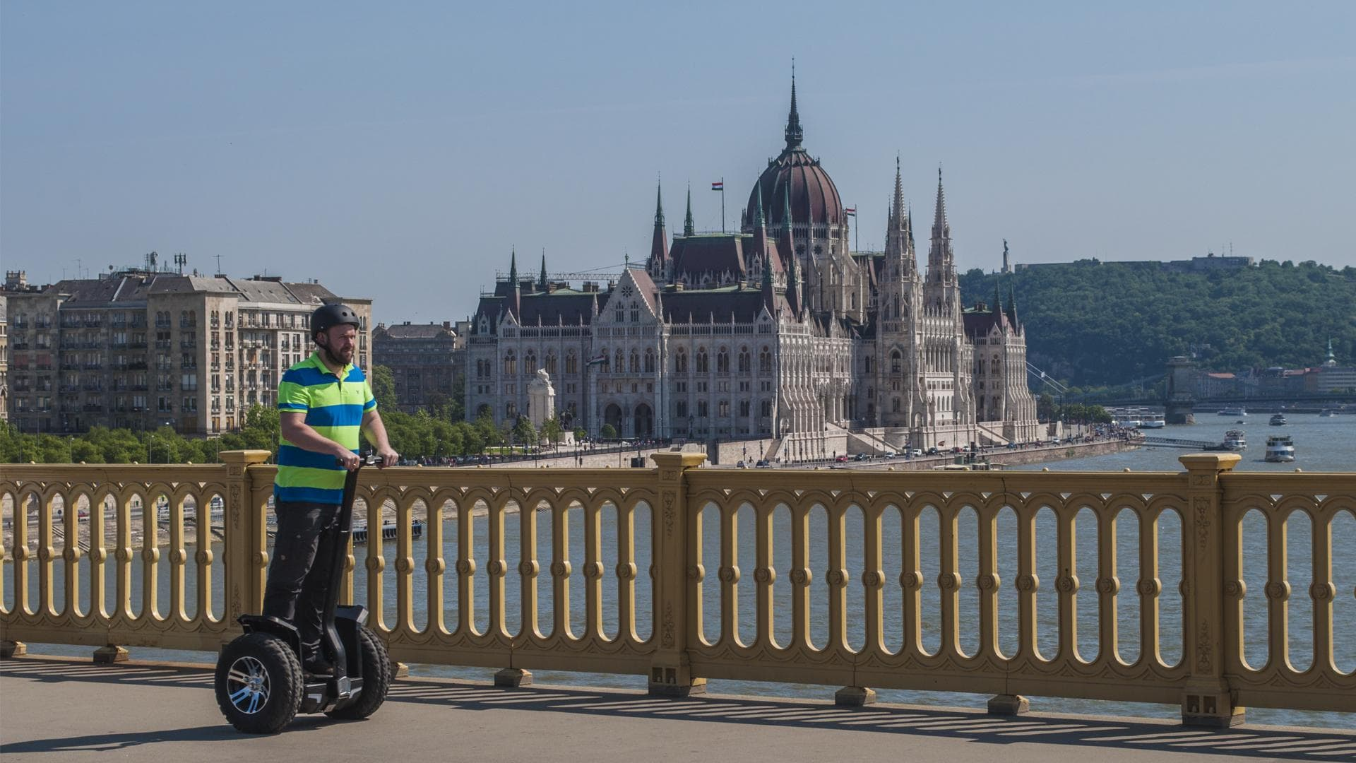 Tours in heart of the city. Top sights in Budapest: Parliament, Danube, Margaret Island - Budapestrolling